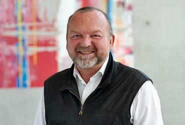 Prof. Rudolf Schricker