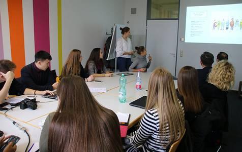 Studierende präsentieren ihre Ergebnisse