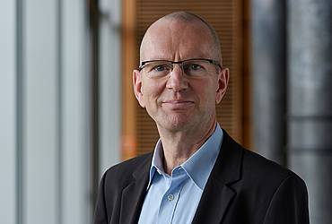 Prof. Dr. Holger Hassel