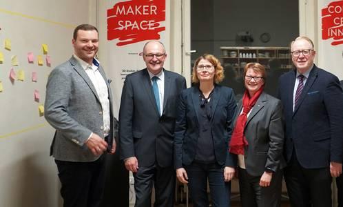 Markus Neufeld, Michael Meister, Aileen Funke, Christina Fritze und Hans Michelbach (v.li.)