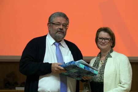 Hochschulpräsidentin Christiane Fritze und Prof. Dr. Johannes Vielhaber