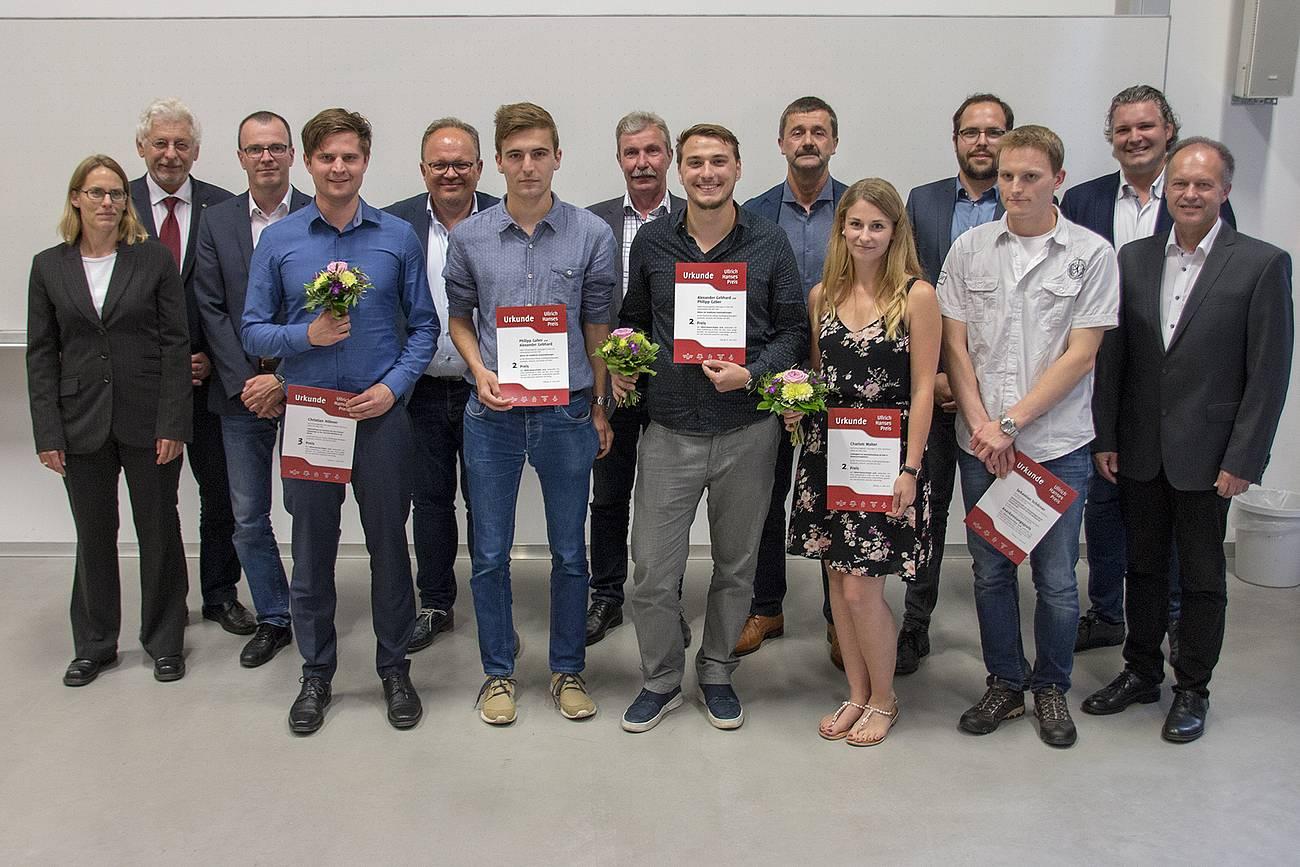 Die Preisträger des ersten Ullrich-Hanses-Preis mit ihren Stiftern und Professoren.