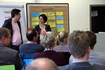 Martina Zapf zeigte den Teilnehmern, wie sie mit Konflikten umgehen können.