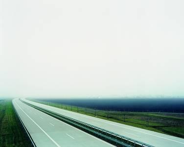 Die leere A14 bei Halle - eine Autobahn ohne Autos.