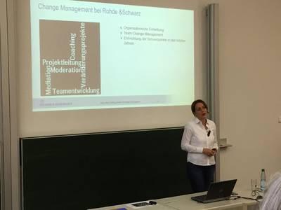 Vortrag von Renate Behrends