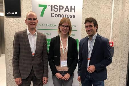 Prof. Dr. Holger Hassel mit Christina Müller und Helmut Strobl