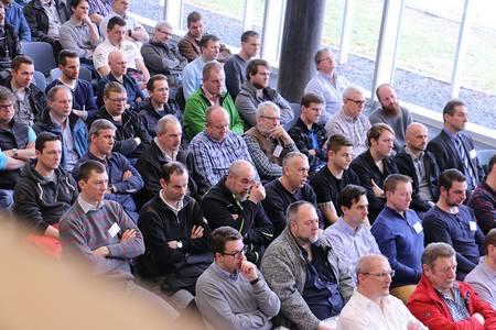Teilnehmer des Industriemeistertages in der Aula