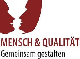 Logo mit Schriftzug: Mensch und Qualität - Gemeinsam gestalten