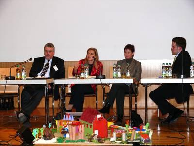(v.l.) Bürgermeister N. Tessmer, Melanie Huml, Ulrike Gote und Christian Limpert.