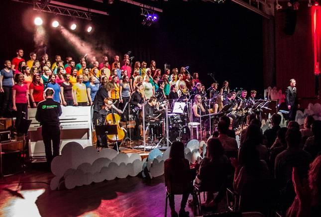 Hochschulchor und Hochschul-Big Band spielen gemeinsam