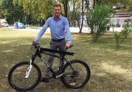 Paul Sutter mit Fahrrad