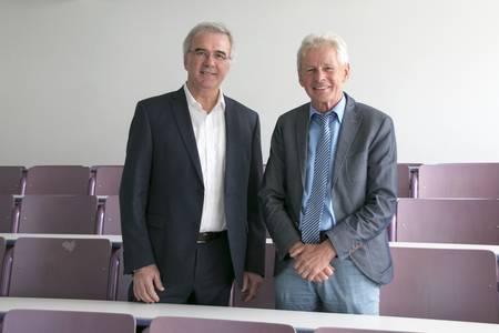 Prof. Roland Hertrich (li.) und Prof. Ralf Schwarz