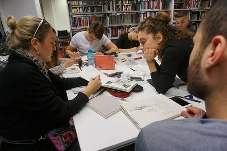 Studierende der Fakultät Design beim internationalen Workshop