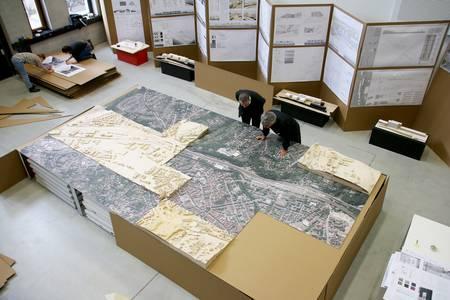 Eine Luftaufnahme von Coburg, darauf stehen Teile der Stadt in Miniatur.
