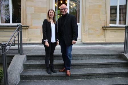 IHK-Preisträgerin Seubert mit Betreuer Richter