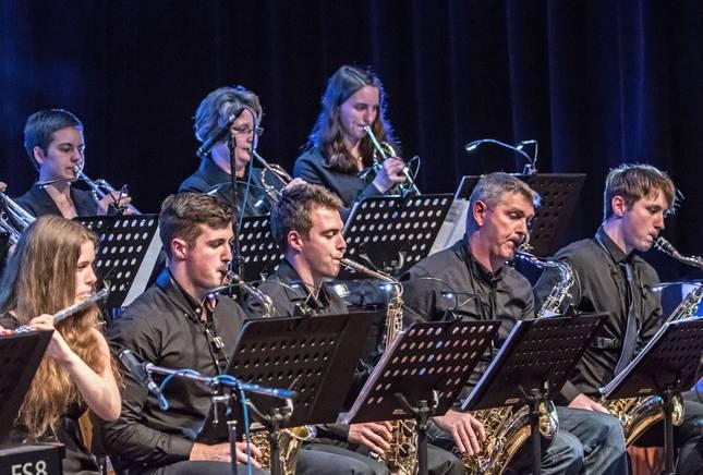 Musiker der Big Band bei einem Auftritt