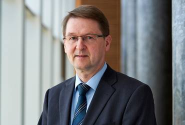 Prof. Dr. Winfried Perseke
