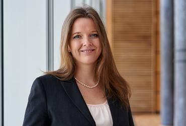 Dr. Yvonne Sedelmaier