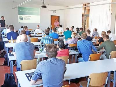 Beim 13. Wissenschaftlichen Kolloqiuum für Elektrische Energietechnik und Elektromobilität in Bad Neustadt pflegten auch Professoren und  Doktoranden der Hochschule Coburg ihr fachliches Netzwerk mit anderen Forschern und Vertretern der Industrie.