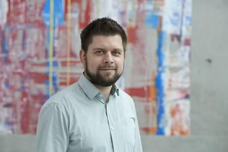Dr. Jonas Schmidt