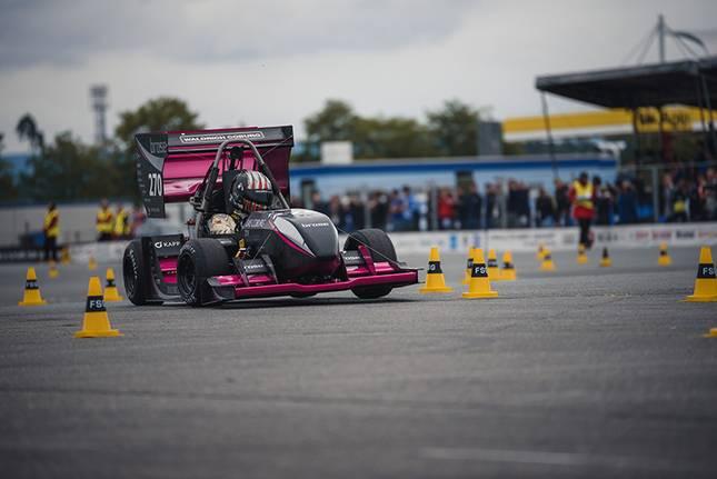Der Pink Panther startet am Hockenheimring durch.