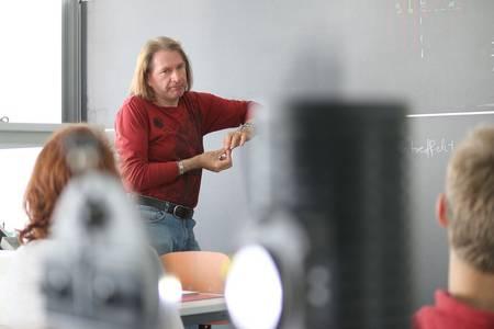Professor Dr. Rainer Dohlus während seines Vortrages