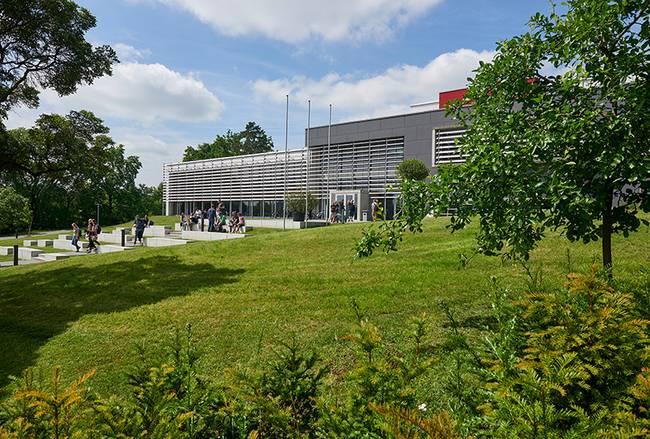 Außenansicht Campus Friedrich Streib