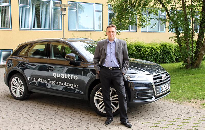 Dieter Weidemann von Audi mit dem neuen Audi quattro ultra.
